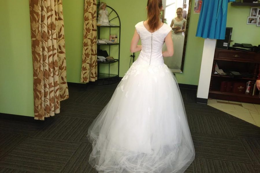 How to get a custom made wedding dress?